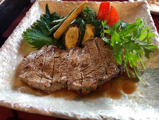 Japanese Restaurant MADOKA: Sirloin steak