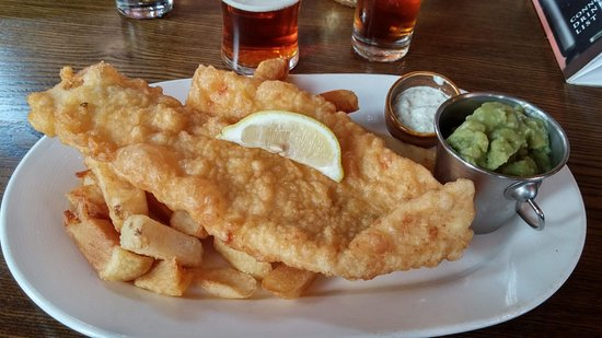 Church Minshull, UK: Very large Haddock and chips