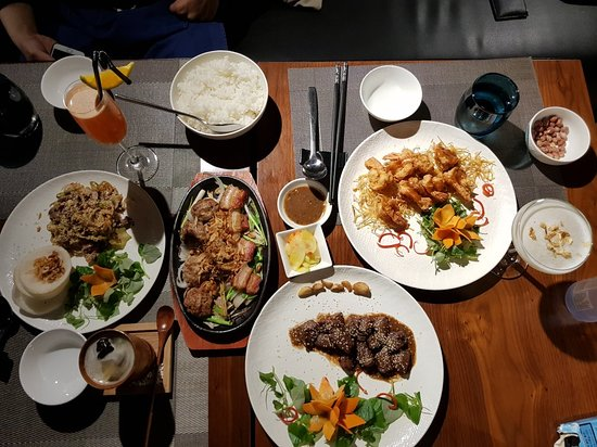 The Garlik De Tham Restaurant ภาพถ่าย