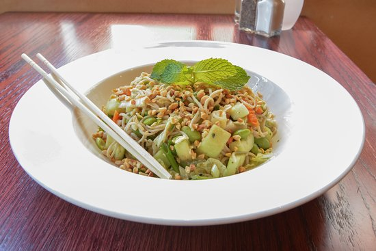 Firefly American Bistro : Noodle Salad