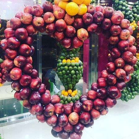 Juice World: Love apples love this design!