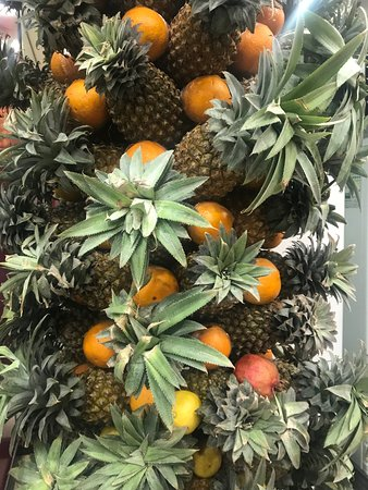 Juice World: Pineapple and orange tree!