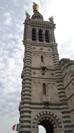 圣母加德大教堂照片