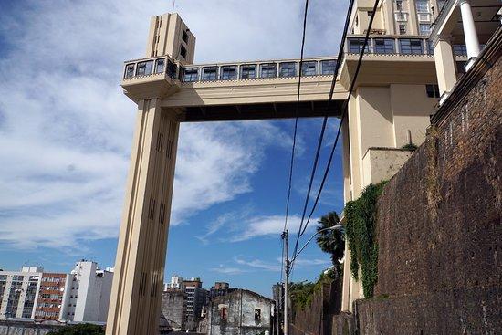 Elevator Lacerda: Вид из под