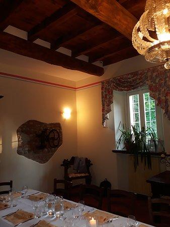Pantigliate, Italia: Ristorante con giardino.