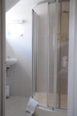 Haisthorpe House: Room 6 Bathroom