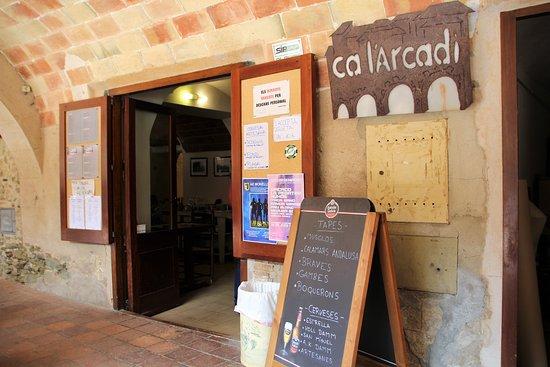 Monells, Spain: ESTABLECIMIENTO
