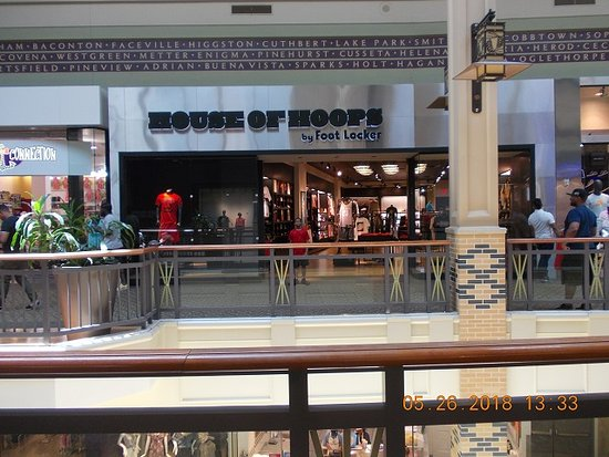 b03daae48 House of Hoops By Footlocker at Mall Of Georgia - Picture of Mall of ...