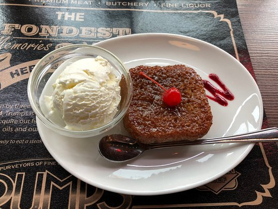 Trumps Grillhouse and Butchery: Lava cake - to die for!
