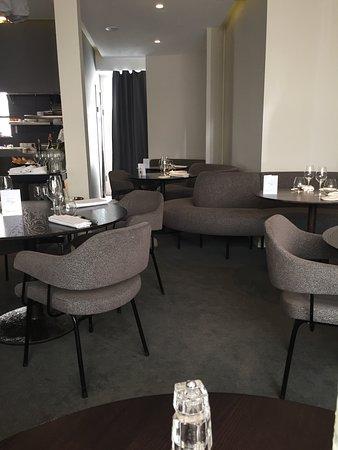 Alan Geaam Restaurant: la salle