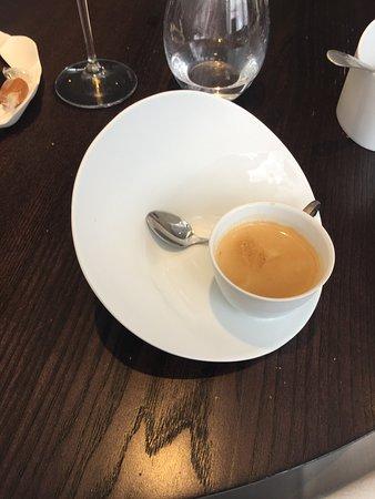 Alan Geaam Restaurant: le café dans son décor ...