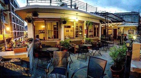 La Ronda Hostel Restaurant: Terrace at sundown