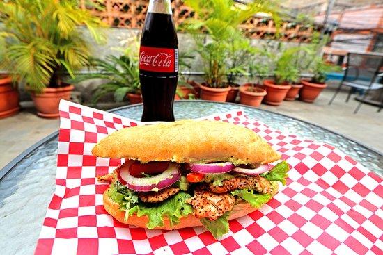 La Ronda Hostel Restaurant: Avocado Chicken Sandwich