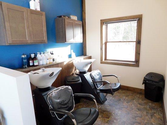 Cedarville, MI: Our bright and comfy shampoo area.