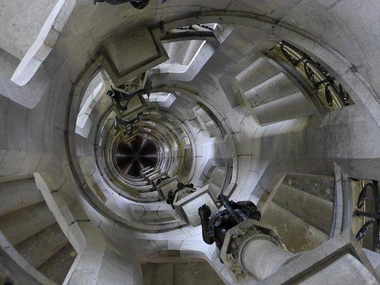 Porte de Hal : Gothic revival staircase