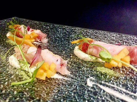 Senzafiamma Raw Food Restaurant: Gamberi Rossi di Mazzara, Lardo di Colonnata, Mandorle Bianche e Albicocche