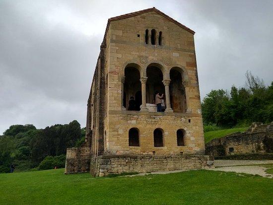 纳兰科圣玛丽教堂照片