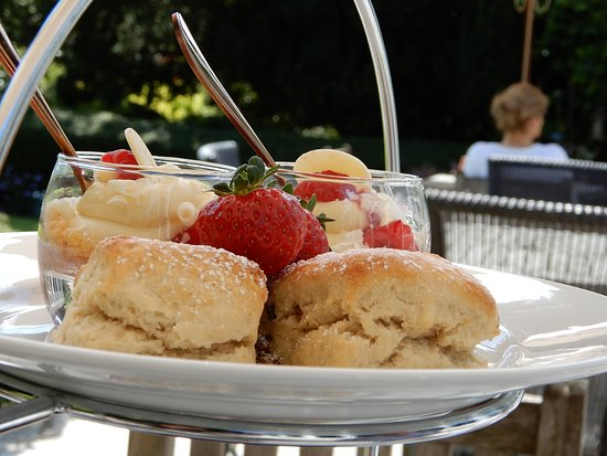 The Eastbury Hotel : Afternoon tea top layer - fruit scones with fresh strawberries and pots of cream desert