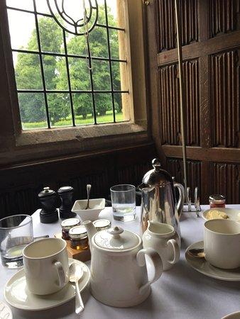 Rushton, UK: Breakfast in the Dining Room