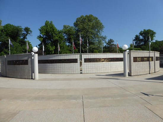 Veterans Wall of Honor: Memorial