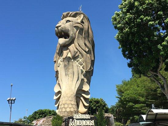 สิงโตทะเล เซ็นโตซ่า: SENTOSA MERLION GIANT STAUTUE AS SEEN IN MAY 2018.