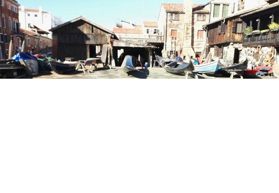 ANDREA TOUR GUIDE: Pub Crawl in Venice - Bacaro Tour