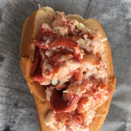 South Thomaston, ME: Best lobster roll on the planet.!!