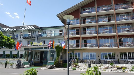 Boenigen, Switzerland: Front of the hotel.