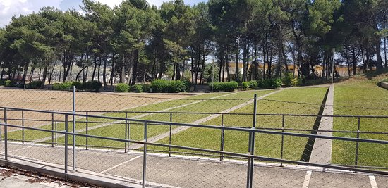 Parco del Castello: Particolare parte anteriore al castello