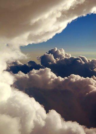 ยูไนเต็ดแอร์ไลน์ส: UA607 EWR-PHX 737-900 FC Seat 4A - Midway Into Flight