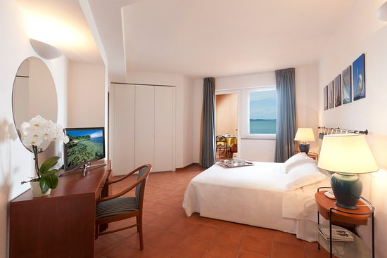 Hotel Villa Domizia: Camera Marina interno