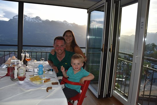 Triesenberg, Liechtenstein: Delicious dinner with a view