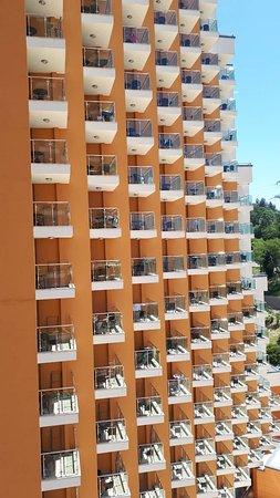 Dagomys Hotel: Вот такие интересные балконы в номерах