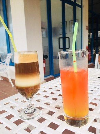 Memories Jibacoa: Spanish coffee (left) Blue Diamond (right)