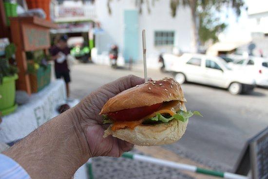 Falafeland: The falafel burger