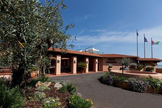 Hotel Villa Domizia: Entrata