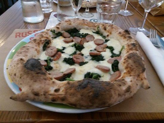 Rossopomodoro: Pizza salsiccia e friarielli