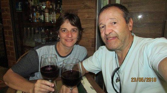 Santo Graal : Jantar com vinho e suco