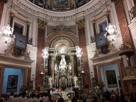 Basilica de la Virgen de los Desamparados: basílica17