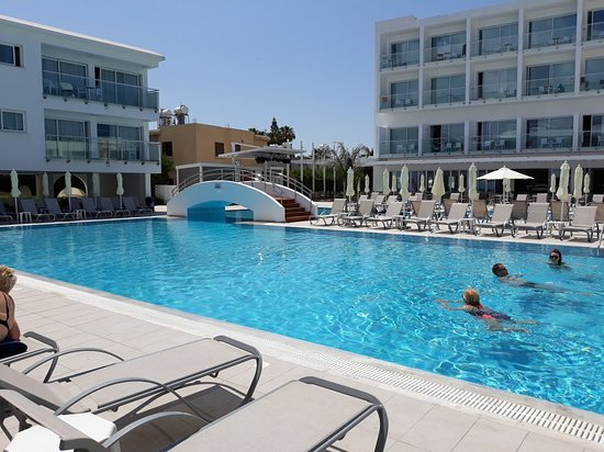 Sofianna Resort & Spa: Adults pool area