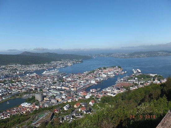 Mount Floyen and the Funicular: View of Bergen, Bryggen & Puddefjorden seen from the top of the Floibanen funicular railway.