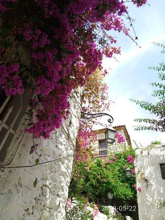 Halici Hotel: уютные улочки возле Крепости