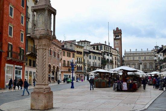 Centro Storico: Architecture of the Piazza