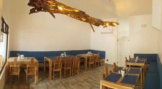Che Sirloin: Inside Seating Area