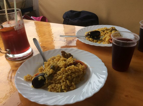 Day at sea with Lunch: Paella et sangria