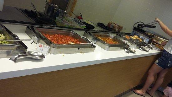 Side Resort Hotel : Сосиски на завтрак - это святое!