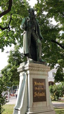 Denkmal Friedrich von Schmidt