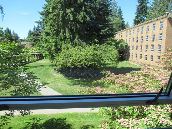 Фотография Pacific Spirit Hostel at UBC