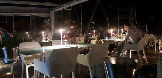 Hi-Res Restaurant ภาพถ่าย