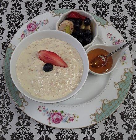 Bay View Boutique Bed & Breakfast: Breakfast Porridge